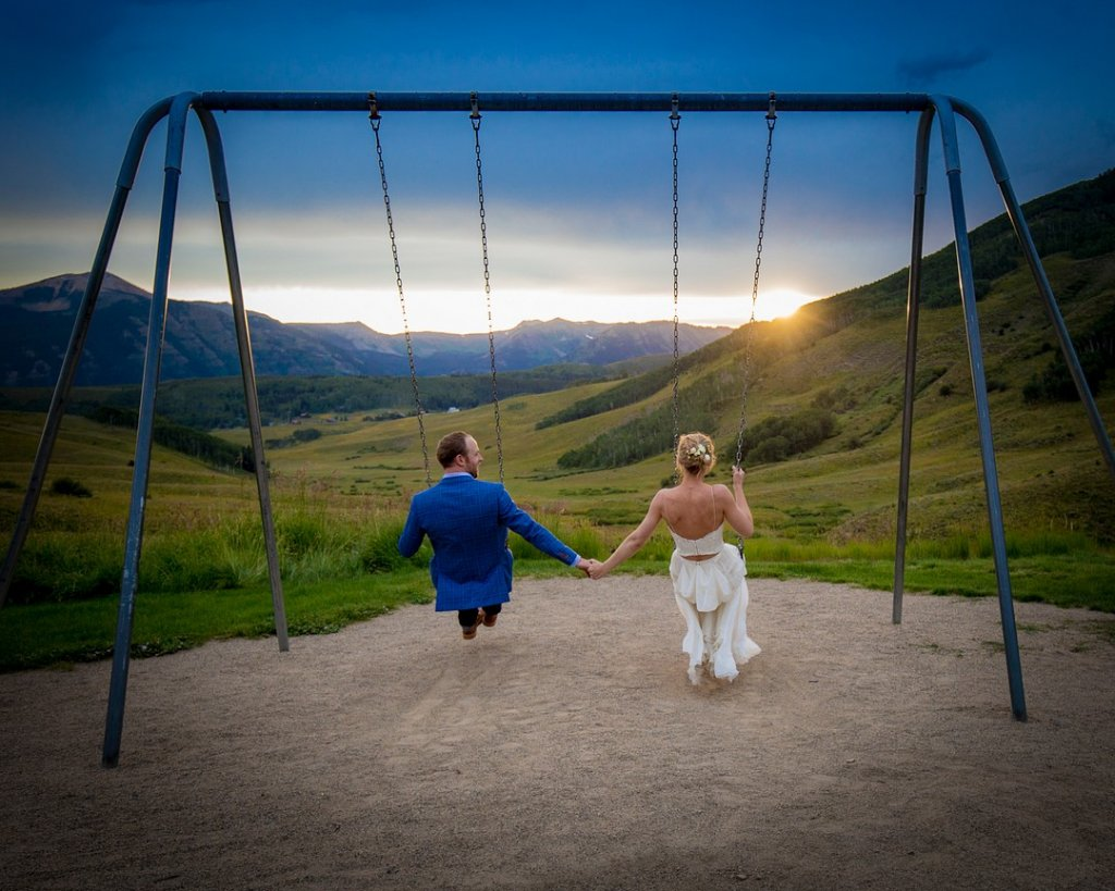 Ask the Expert: COVID-19 Wedding Questions!