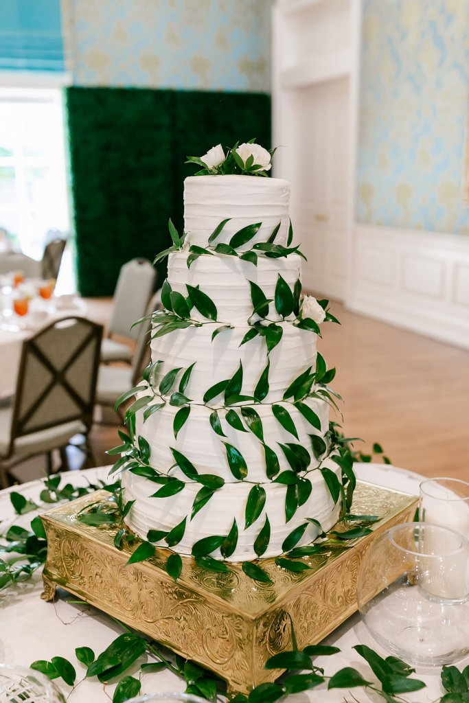 Wedding cake wrapped in vines