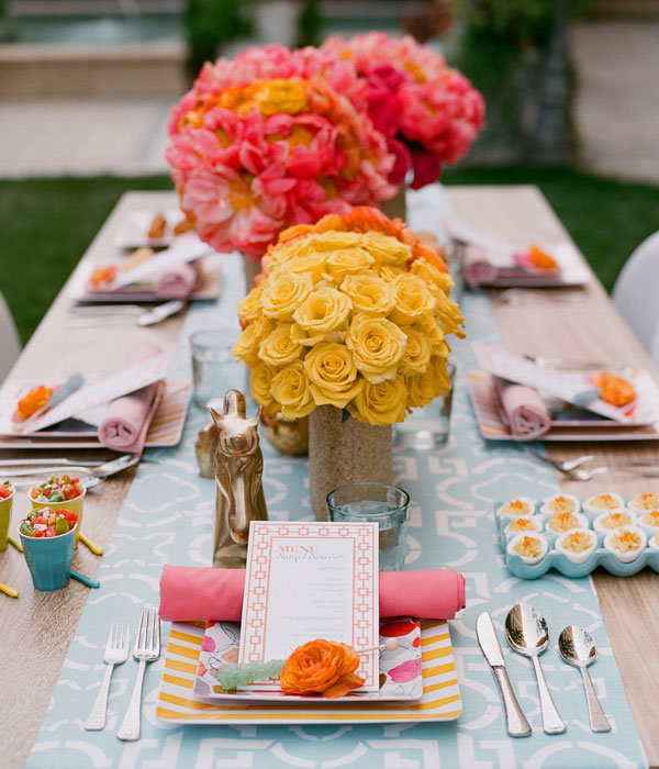 wedding centerpieces The colorblocked flowers stand out even more against