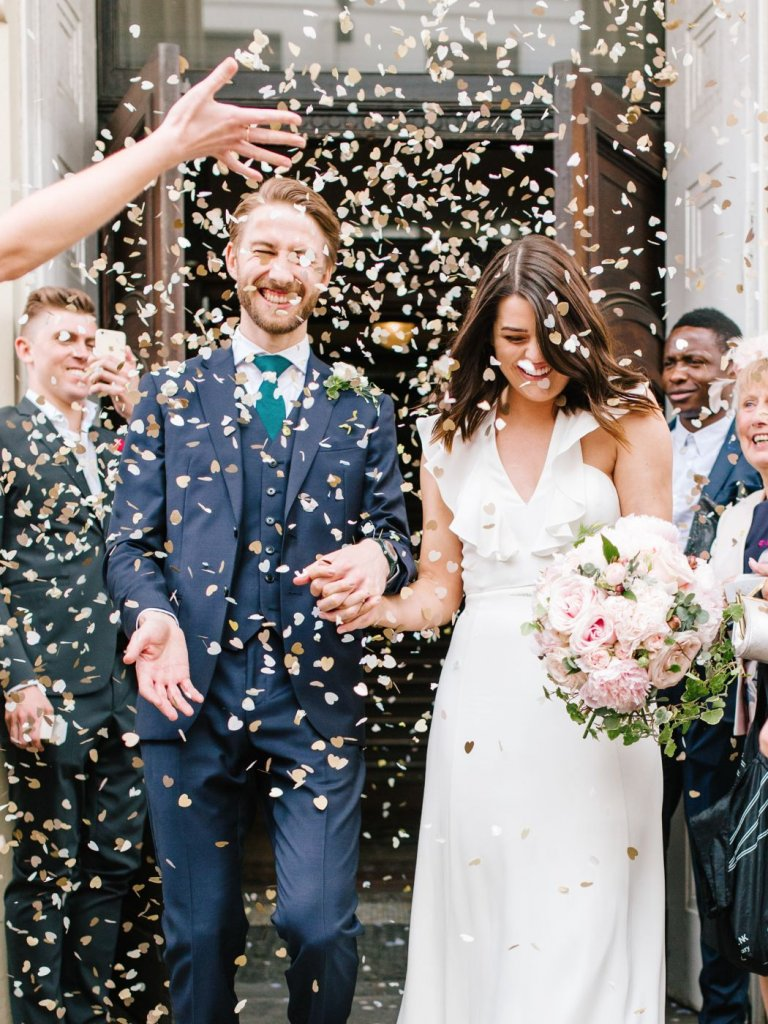 heart confetti wedding