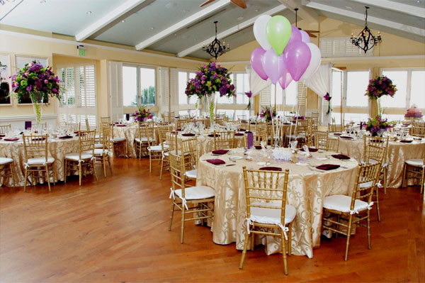 kids table balloon centerpiece