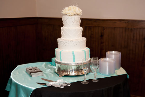 publix wedding cake Photo Credit ZDJ Photography