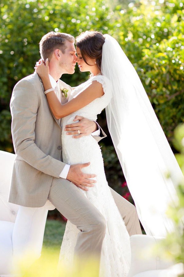 The gallery for --> Bride And Groom Wedding Picture Ideas ...