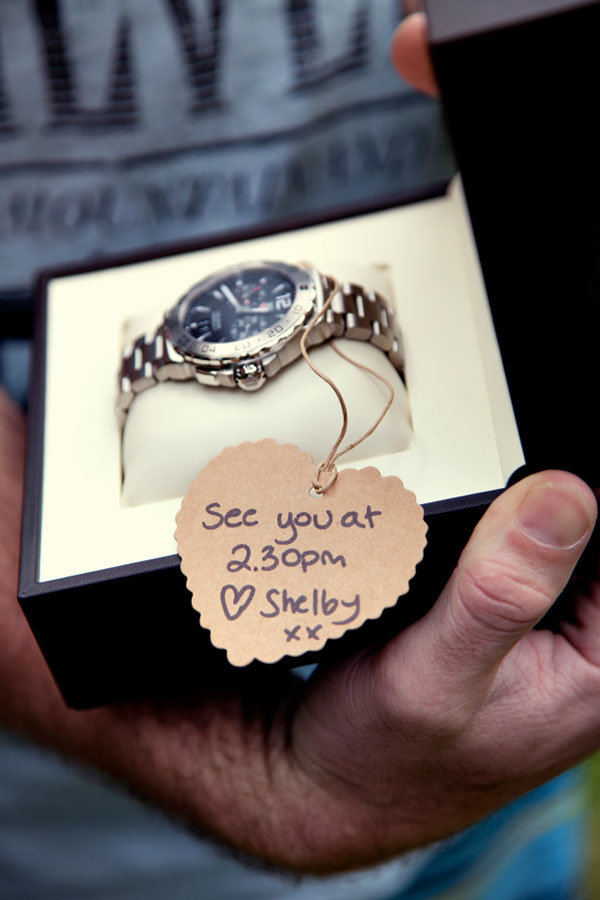 Gifts To Give Your Groom On Wedding Day: Photo Of The Day