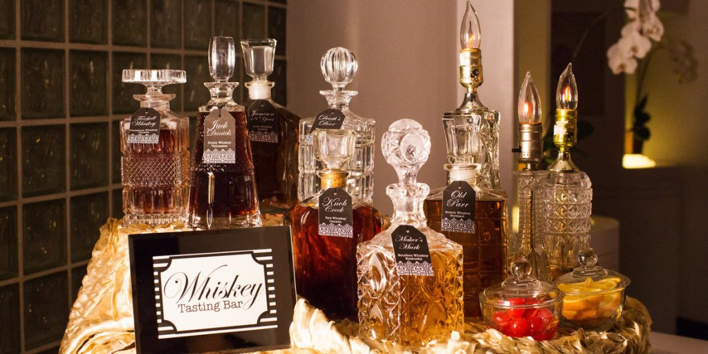 Wedding Bar Guide: How Much Alcohol Do You Need?