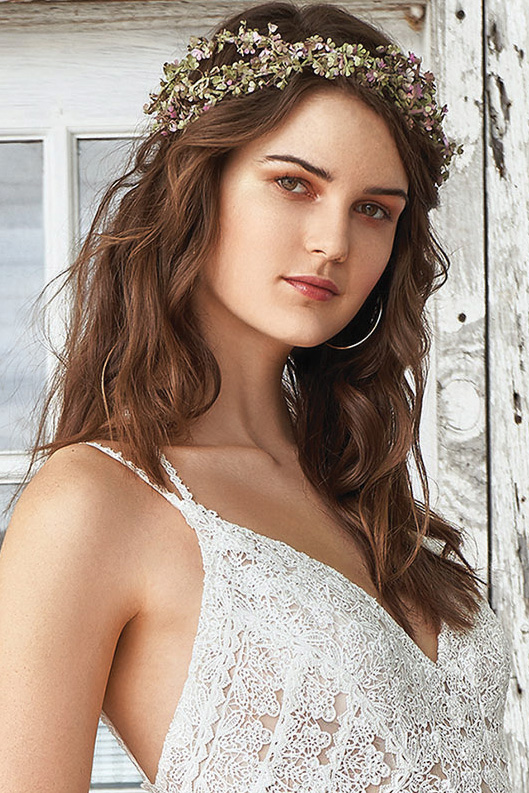 Soft waves wedding hairstyle