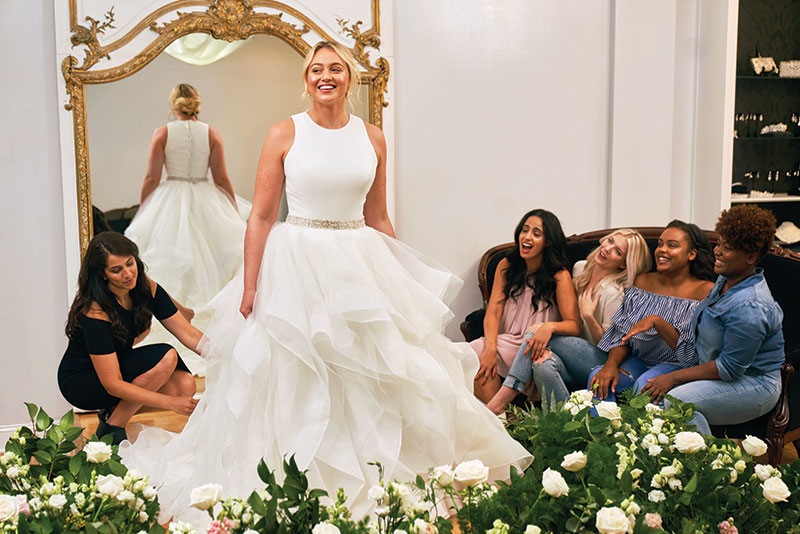 3637e32252a Plus-Size Model Iskra Lawrence Reveals Latest Campaign with Justin ...