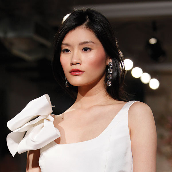 How To Do A Bridal Makeup Consultation : Wedding Day Makeup BridalGuide