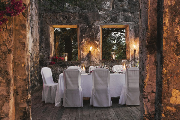 Destination wedding hotspot us virgin islands bridalguide caneel bay caribbean destination wedding junglespirit Image collections