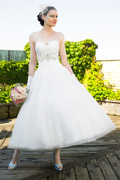 Spring Wedding Gowns on Spring Wedding Dresses   Wedding Gowns   Wedding Planning  Ideas