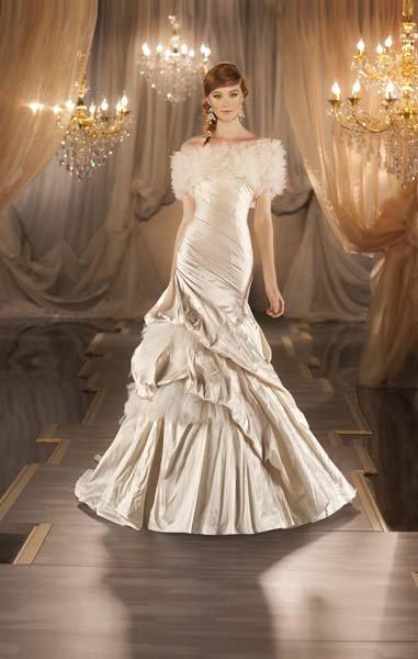 Winter wedding dresses wedding planning ideas amp etiquette bridal