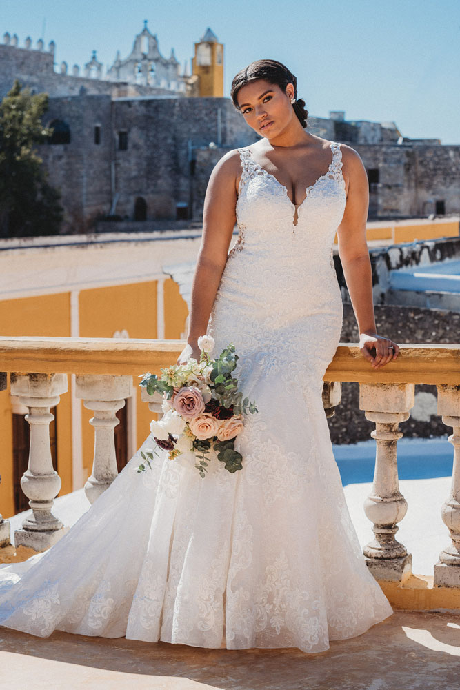Lace Plus Size Wedding Gown
