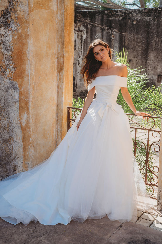 Off-the-shoulder wedding gown with bow