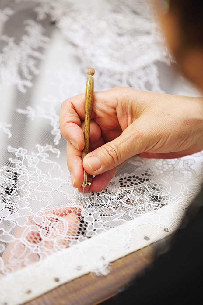 Lace patterns for wedding gown