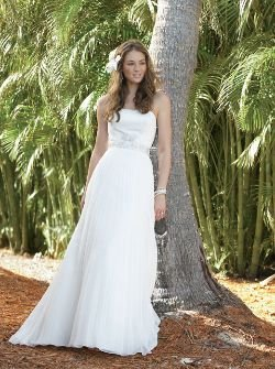 wedding dress by pallas athena