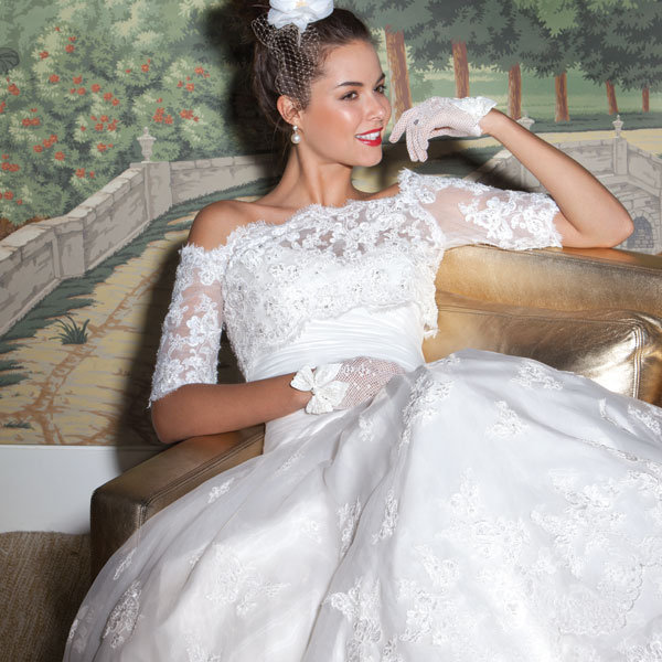 James Clifford Wedding Gowns: Embrace Lace: Classic Wedding Dresses You'll Love
