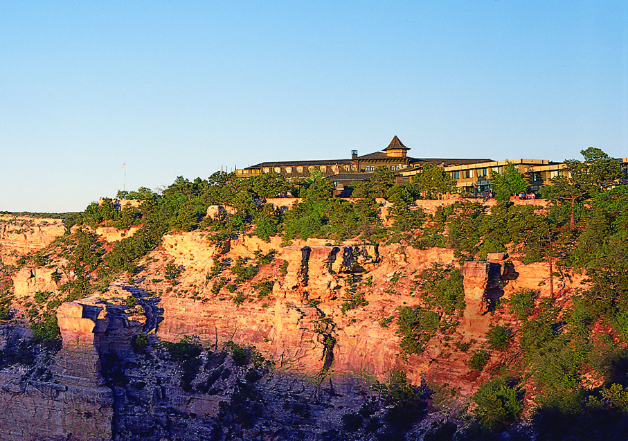 Top of the world hotels with amazing views bridalguide for El tovar grand canyon