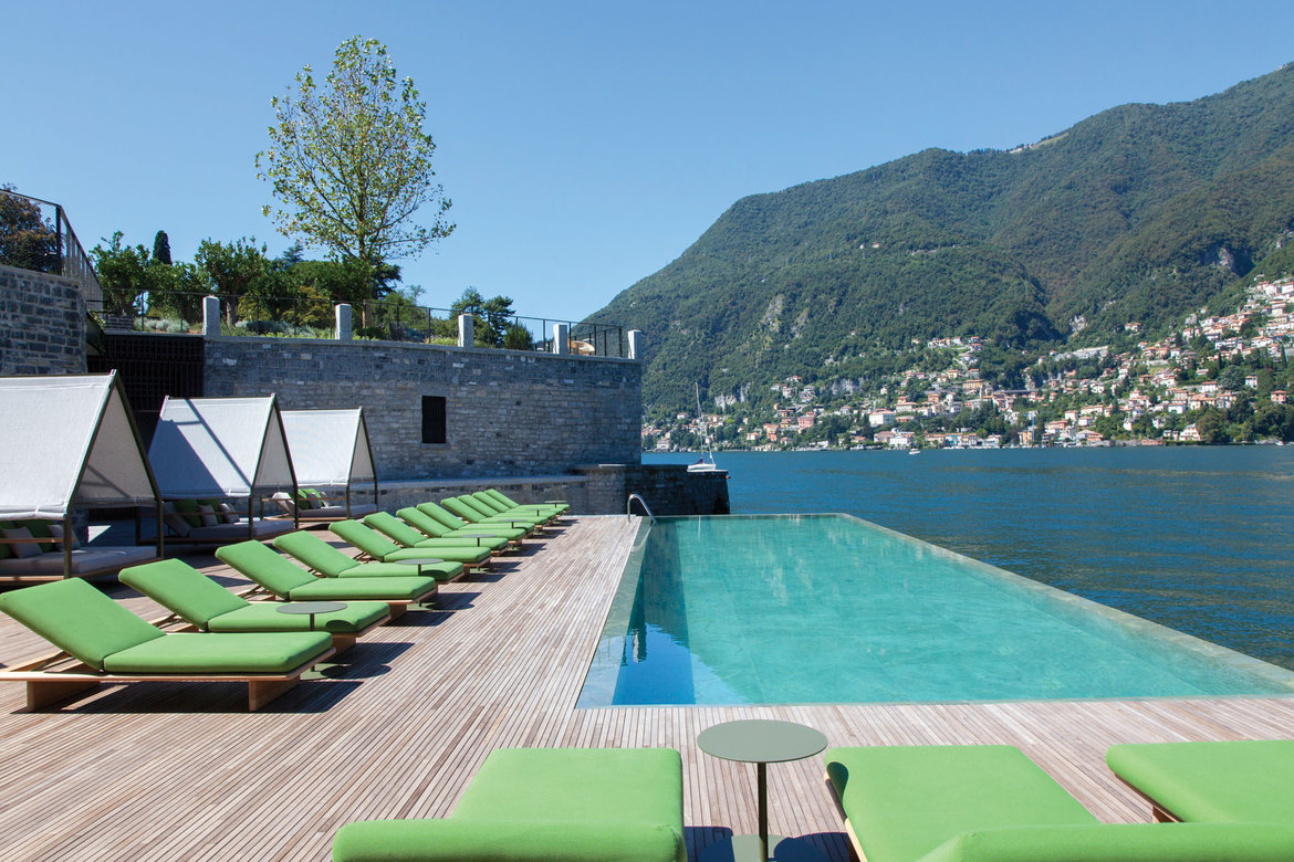 lake como il sereno pool