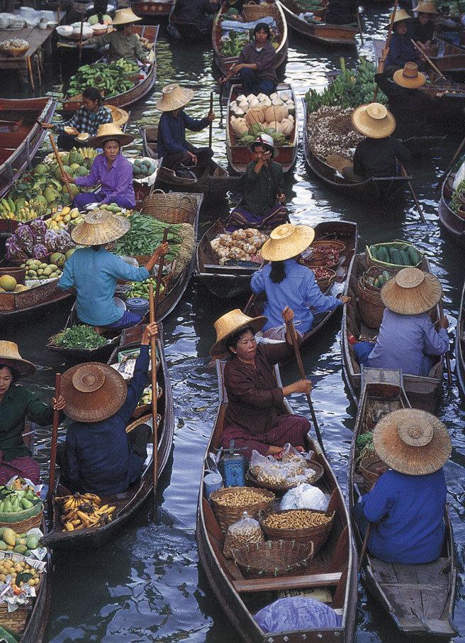 بازار روی آب تایلند