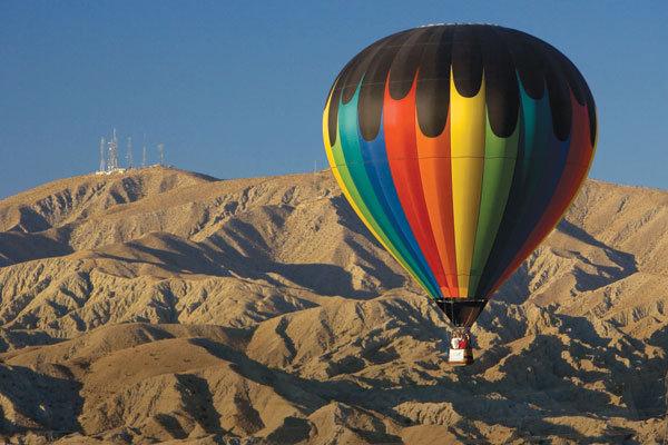 hot air balloon on honeymoon