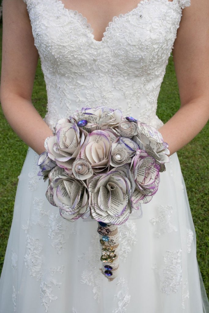 maggie sottero book pages bouquet