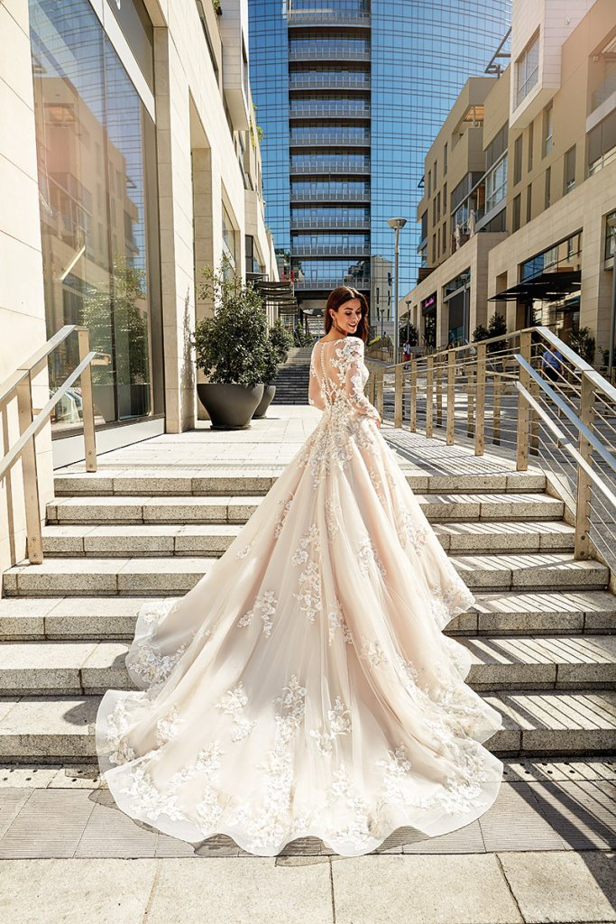 meghan markle wedding gown from eddy k