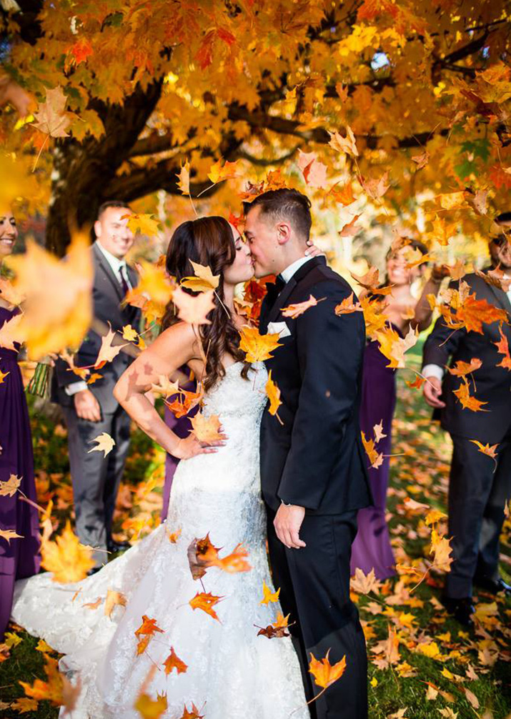 fall leaves wedding photo