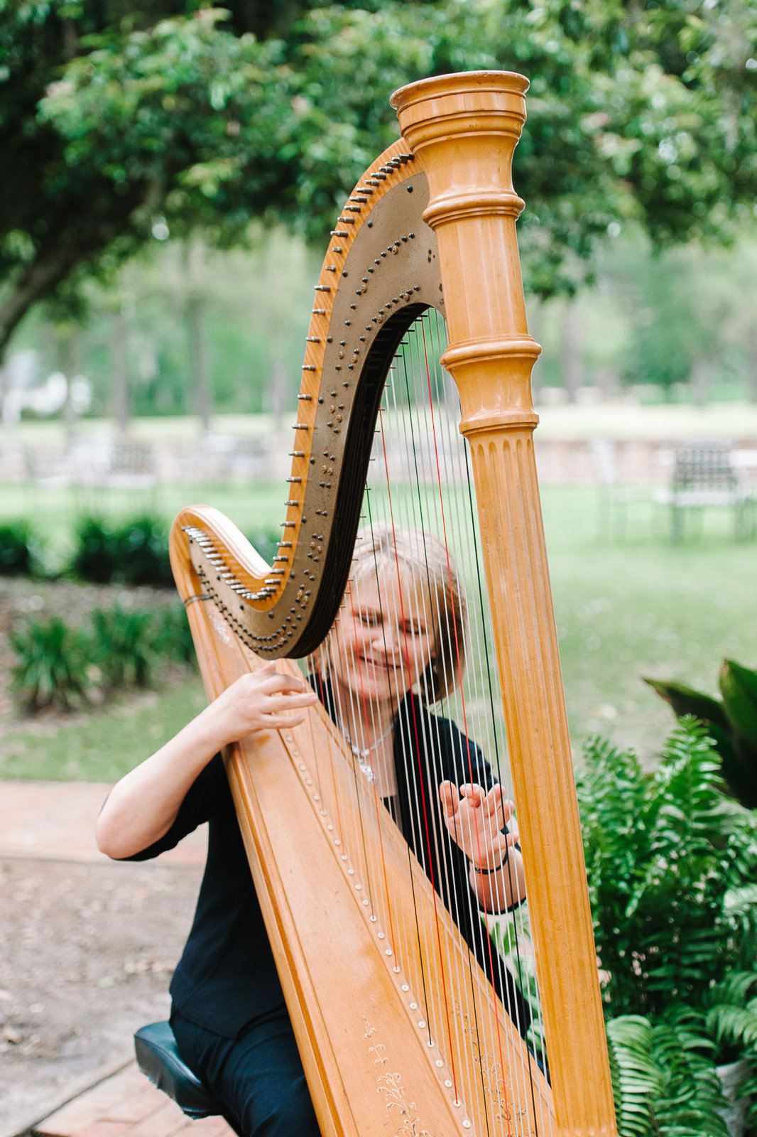 75 Ways to Throw a Luxury Wedding on a Budget - harpist