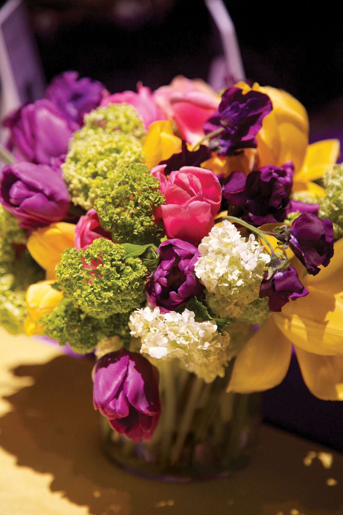 wedding flowers budget luxe for less how to stretch your wedding budget bridalguide 9548