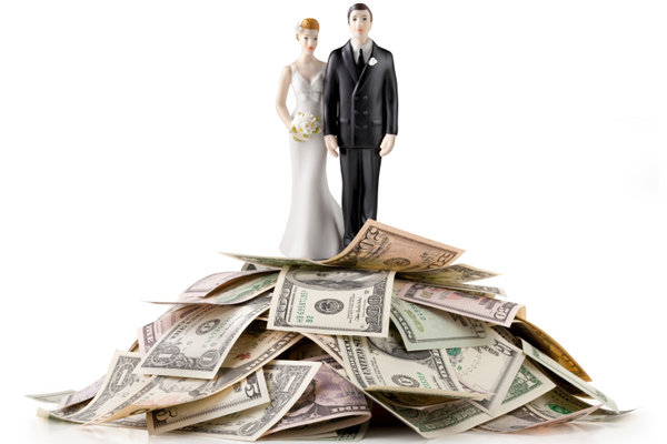 bride and groom cake topper with money