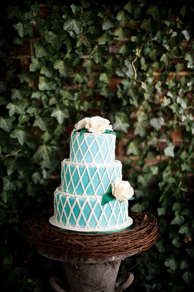 wedding cake turquoise blue gorgeous wedding color palettes bridalguide 26732