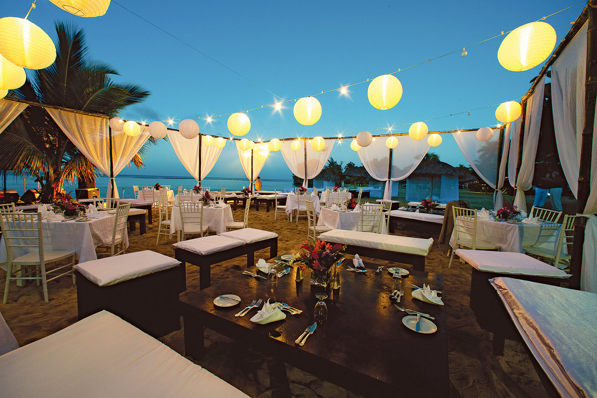 We Have The Top Experts Secrets For Planning Your D Cor On A Budget Including Getting Some Wedding D Cor Freebies