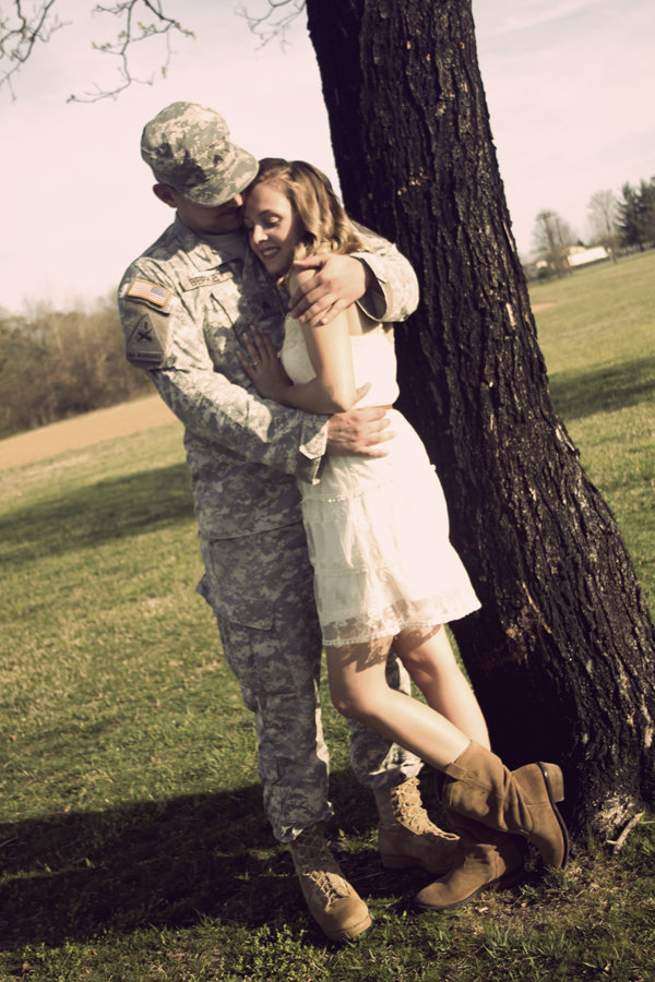Wedding Gifts For Army Couples : and military military homecoming love shoot and love your military ...