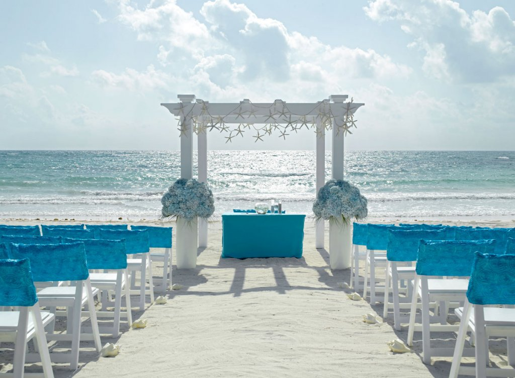 Beach Wedding Colors.5 Expert Tips On Choosing Your Destination Wedding Colors Bridalguide