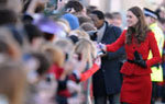 kate middleton greeting public