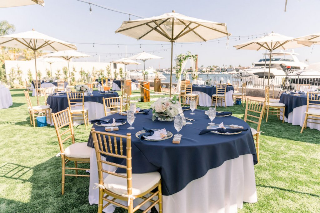 table seating at wedding ceremony