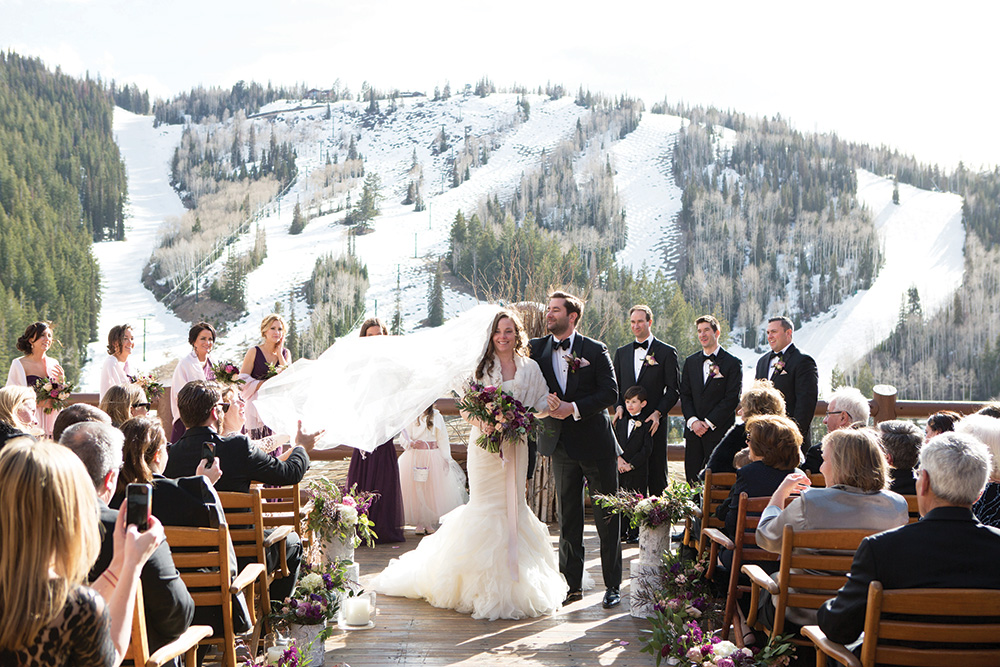 outdoor winter wedding mountaintop