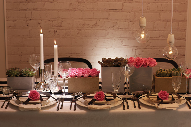 Modern Wedding Decorations Suggestions : Modern black white wedding ideas bridalguide