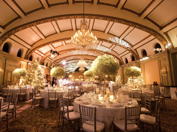 Winter wedding decor ideas bridalguide winter wedding reception junglespirit Images
