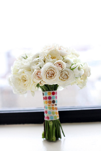 tips for saving money on wedding flowers