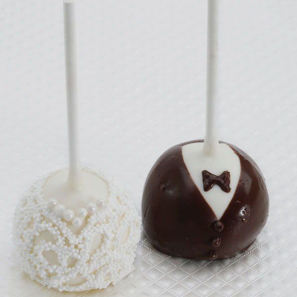 8 wedding desserts almost too cute to eat bridalguide. Black Bedroom Furniture Sets. Home Design Ideas