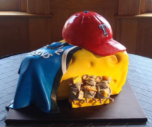 40 amazing grooms cakes bridalguide grooms cake junglespirit Images