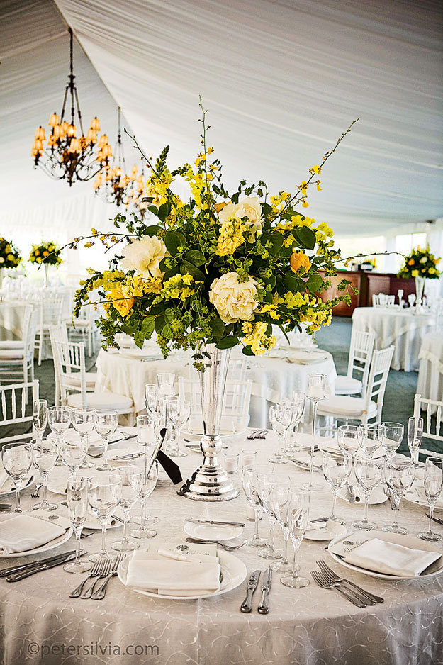 how to select your wedding flower arrangements bridalguide
