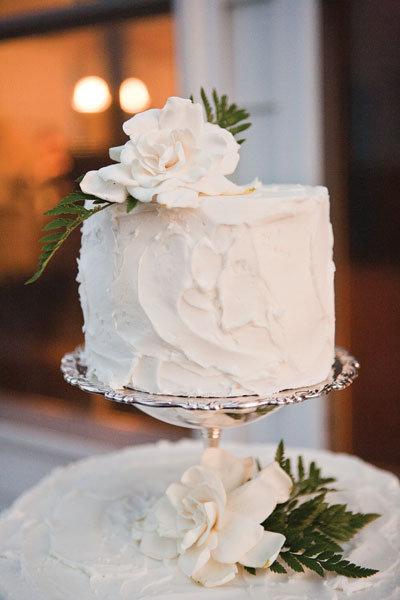 Wedding Cake Ideas For Outdoor Weddings : Wedding Inspiration: Chic Summer Outdoor Celebration ...