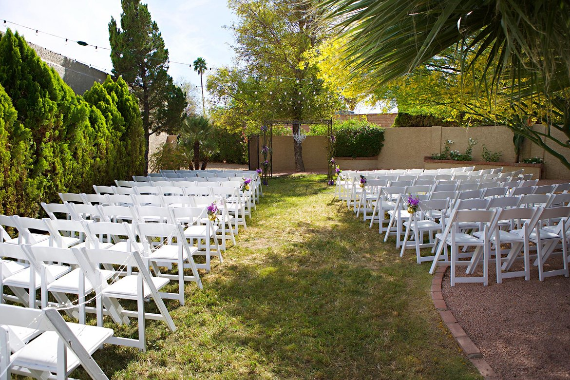 The Pros And Cons Of Throwing A Backyard Wedding