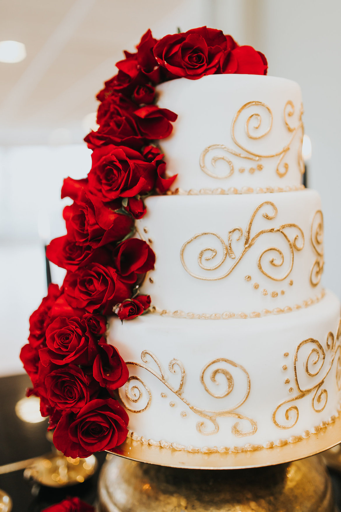 Gold Themed Wedding Cakes Red Roses