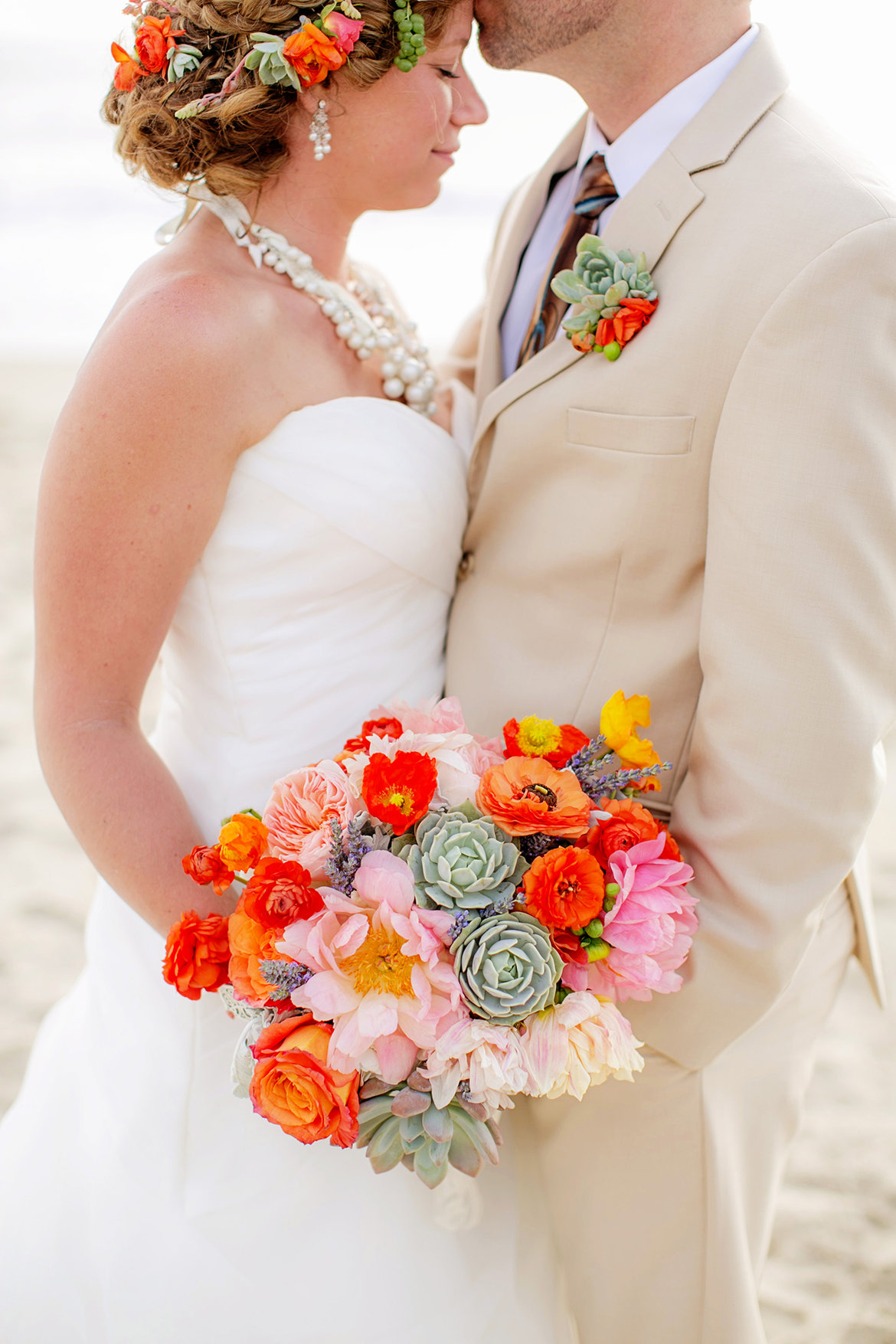 Wedding Bouquets With Rainbow Roses : The most beautiful ideas for your wedding bouquet