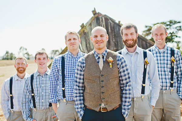 plaid groom and groomsmen