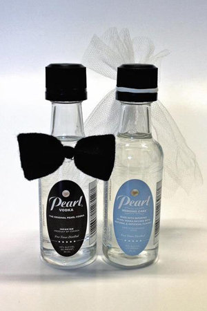 pearl wedding cake vodka bride groom favor