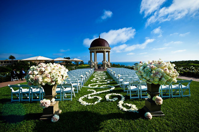 swirls wedding ceremony aisle